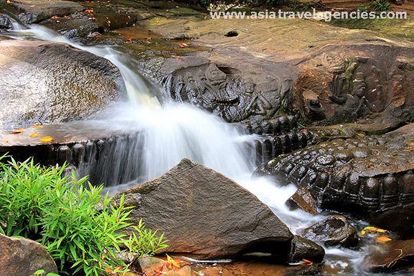 Kbal-Spean-River-1
